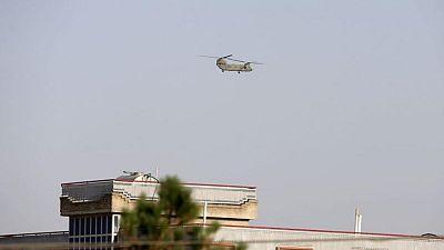 Talibanes entran en capital afgana 20 años después de su derrocamiento liderado por EEUU