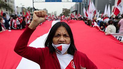 Canciller peruano renuncia, la primera baja en el gabinete del socialista Castillo