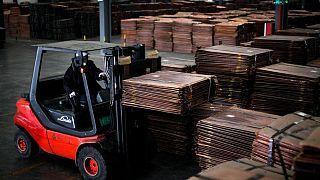 China se saltará ventas de reservas de metales en agosto: consultoras