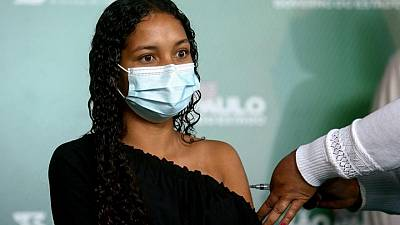 Brasil registra 36.315 nuevos casos y más de 979 muertes por COVID-19