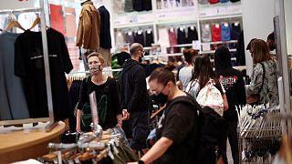 Las ventas minoristas del Reino Unido caen inesperadamente en julio