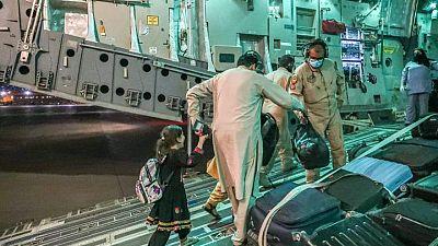 RESUMEN-OTAN promete acelerar evacuaciones desde Afganistán en medio de aumento de críticas