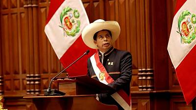Castillo designa a diplomático de carrera como canciller peruano tras criticas a gabinete: medio