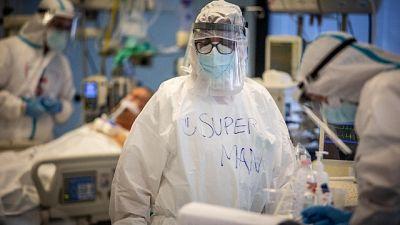 Ricoveri stabili, in terapia intensiva 46 persone