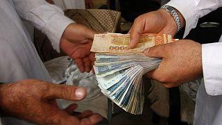 Los talibanes nombran a un jefe interino del banco central ante la creciente inestabilidad económica