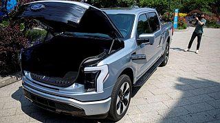 EXCLUSIVA-Ford duplica meta de producción de camioneta eléctrica gracias a fuerte demanda: fuentes