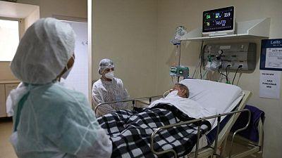 Brasil registra 13.406 nuevos casos y otras 731 muertes por COVID