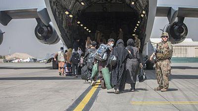 RESUMEN-Biden apunta a un retiro de Afganistán el 31 agosto a medida que aumenta riesgo de ataques