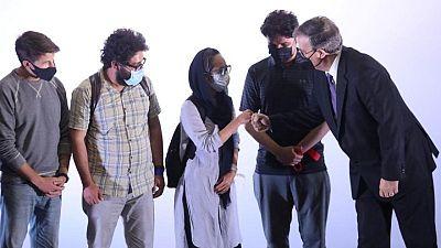 México recibe a decenas de trabajadores de medios de comunicación que salieron de Afganistán