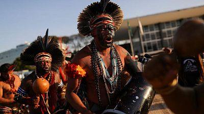 Indígenas protestan en Brasil antes de una sentencia sobre tierras ancestrales
