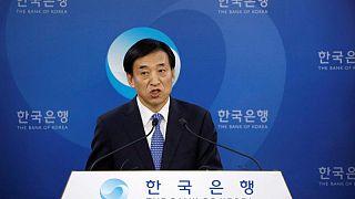 Corea del Sur sube los tipos interés mientras crece la amenaza de la deuda