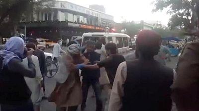 Explosión a las afueras del aeropuerto de Kabul, se desconoce si hay víctimas- Pentágono