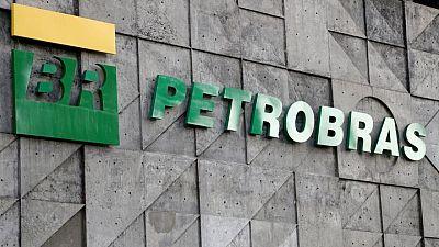 Grupo de accionistas pide a Petrobras que no subaste áreas cerca de arrecifes de coral en Brasil