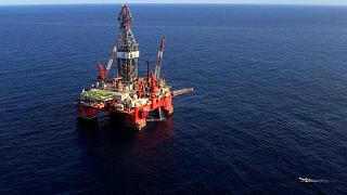 PETRÓLEO-Barril sube debido a tormenta que se acerca al área de producción en Golfo de México