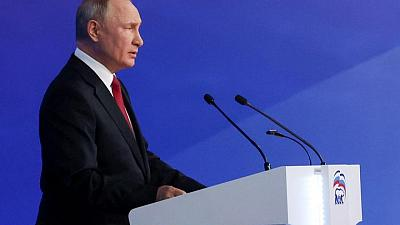 Putin approves pre-election payments to soldiers and police in Russia