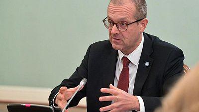 """Las vacunas anti-COVID de refuerzo """"no son un lujo"""", dice el jefe de la OMS en Europa"""
