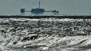 Furia de Ida afecta profundamente producción crudo y suministros gasolina de EEUU