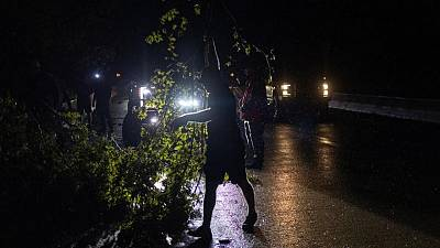 Ida golpea Luisiana, derriba líneas eléctricas y sumerge a Nueva Orleans en la oscuridad