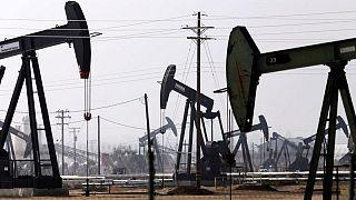 Oil dips on hurricane impact on U.S. refining, weak China data