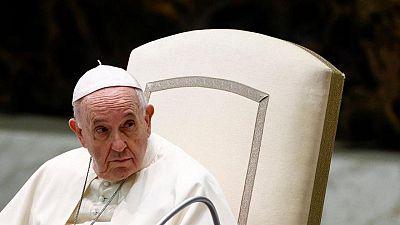 """El Papa dice que retirada de Afganistán es """"lícita"""", pero confunde dichos de Putin con los de Merkel"""