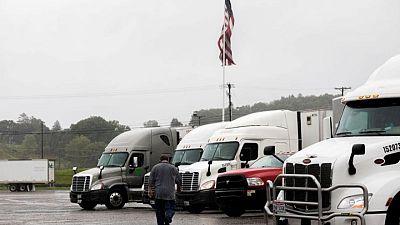 Instan a evacuados a no volver a sus casas tras devastación por huracán Ida