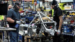 RESUMEN-Actividad manufacturera aumenta en EEUU; continúa la escasez
