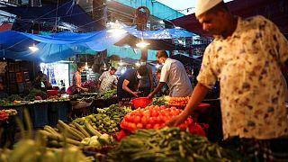 Precios mundiales de los alimentos suben en agosto, se recorta pronóstico cosecha cereales: FAO