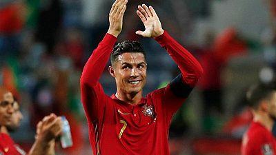 Soccer - Ronaldo gets Man United number seven jersey again