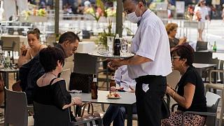 El crecimiento de los servicios españoles mantuvo un fuerte ritmo en agosto -PMI
