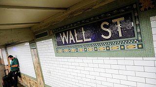 Wall Street cae por fuerte desaceleración en la creación de empleo en EEUU