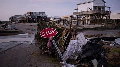 Biden visita Luisiana para ver daños del huracán Ida; aumenta cifra de muertos en Nueva Jersey