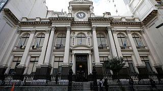 Analistas elevan a 7,2% previsión crecimiento de economía de Argentina en 2021: encuesta banco central