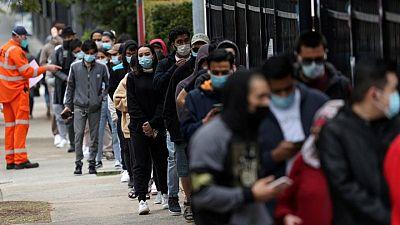 Se acelera la vacunación en los barrios más afectados de Sídney y los casos caen