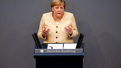 Merkel pide a los alemanes que apoyen a Laschet en las elecciones para sucederla