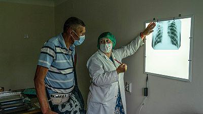 Le Rapport sur les résultats du Fonds mondial révèle l'impact dévastateur du COVID-19 sur les programmes de lutte contre le VIH, la tuberculose et le paludisme