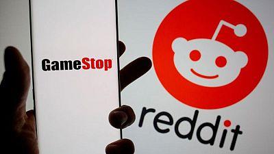 GameStop shares drop as executives mum on turnaround plan details