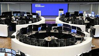 El motor y la banca impulsan las bolsa europeas con las apuestas por la recuperación