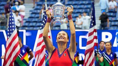 Tennis-Britain's royal family celebrates new queen of tennis Raducanu
