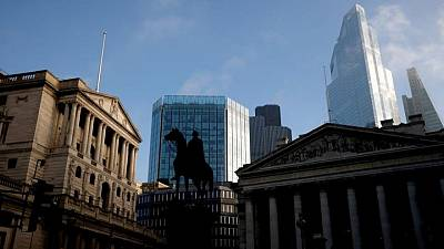 Bank of England urges banks to wait out EU pressure over euro clearing