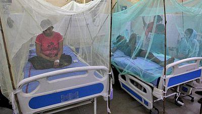 El dengue es la causa probable de decenas de muertes en el peor brote de un estado indio en años