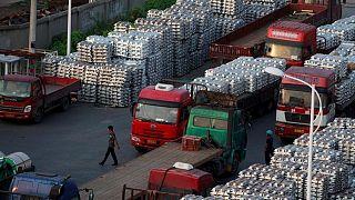 METALES BÁSICOS-Aluminio toca los 3.000 dólares/tonelada por primera vez desde 2008, cobre cae