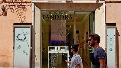 Jewellery maker Pandora targets 6-8% sales growth towards 2023