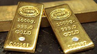 الذهب يرتفع بفضل إحجام عن المخاطرة ومخاوف حيال التضخم