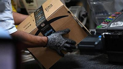 Exclusive-Amazon hikes starting pay to $18 an hour as it hires for 125,000 more logistics jobs