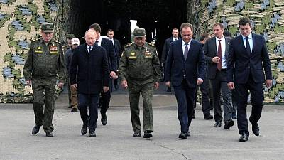 Putin oversees vast war games ahead of parliamentary election