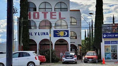 Hallan a 38 personas secuestradas de hotel en México
