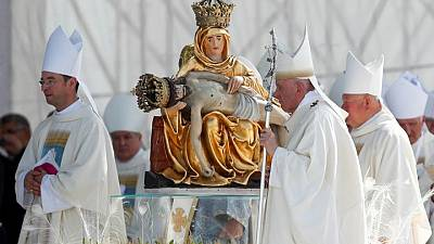 Papa Francisco pone fin a viaje a Hungría y Eslovaquia