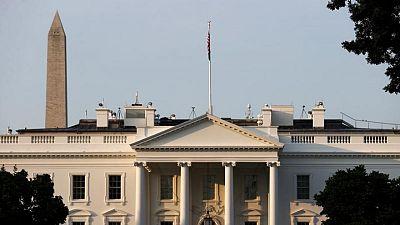 """Casa Blanca planea un """"nuevo sistema"""" para los viajes internacionales a EEUU"""