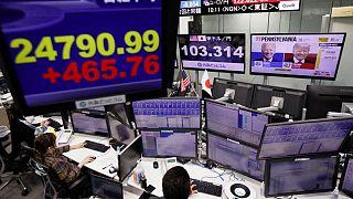 الدولار يرتفع واليوان يتراجع مع تجدد القلق بشأن إيفرجراند الصينية