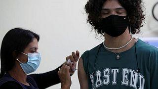 البرازيل تسجل 451 وفاة جديدة و15591 إصابة بفيروس كورونا